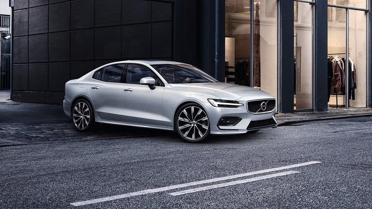 2019 Volvo S60 T4 Momentum