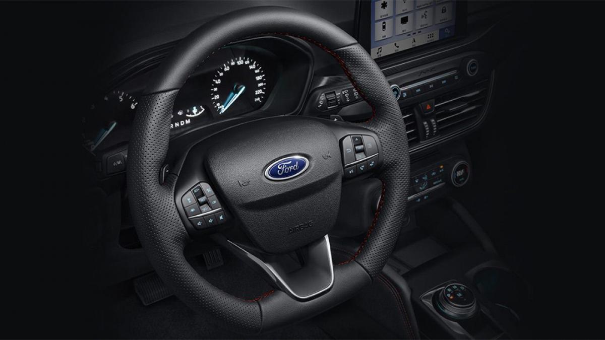 2020 Ford Focus 5D ST-Line