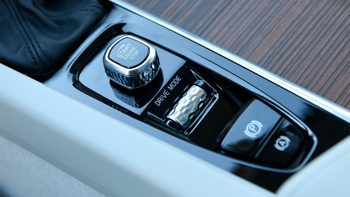 2020 Volvo S60 T4 Momentum