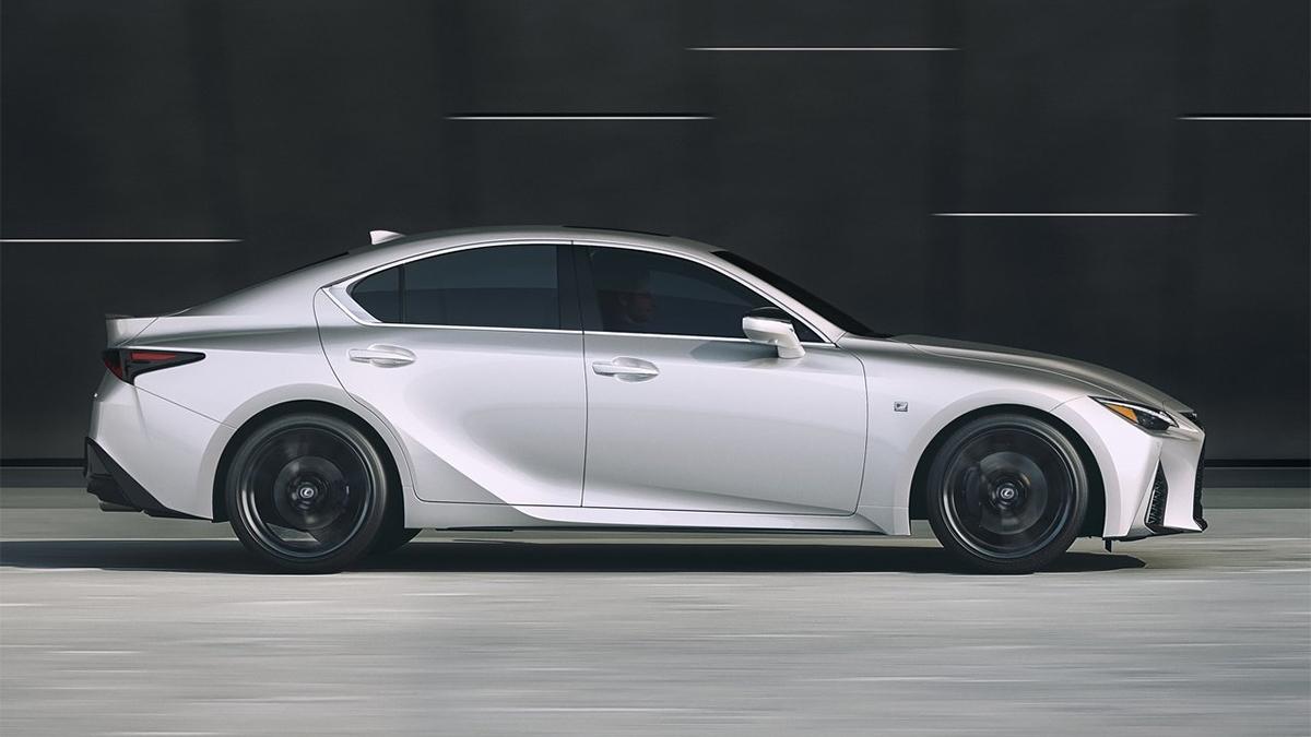 2021 Lexus IS 300h F Sport版