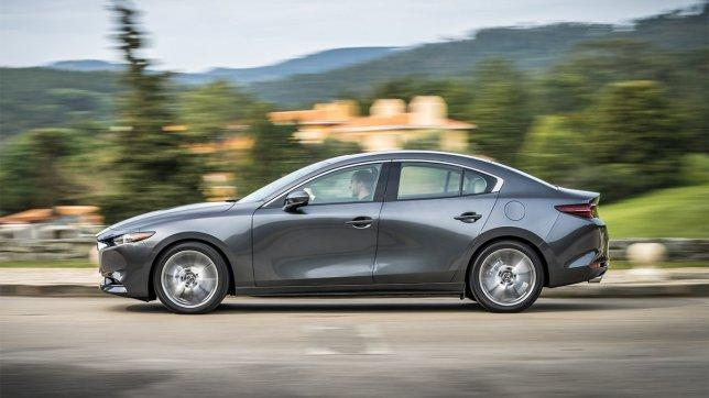 2021 Mazda 3 4D 2.0尊榮型