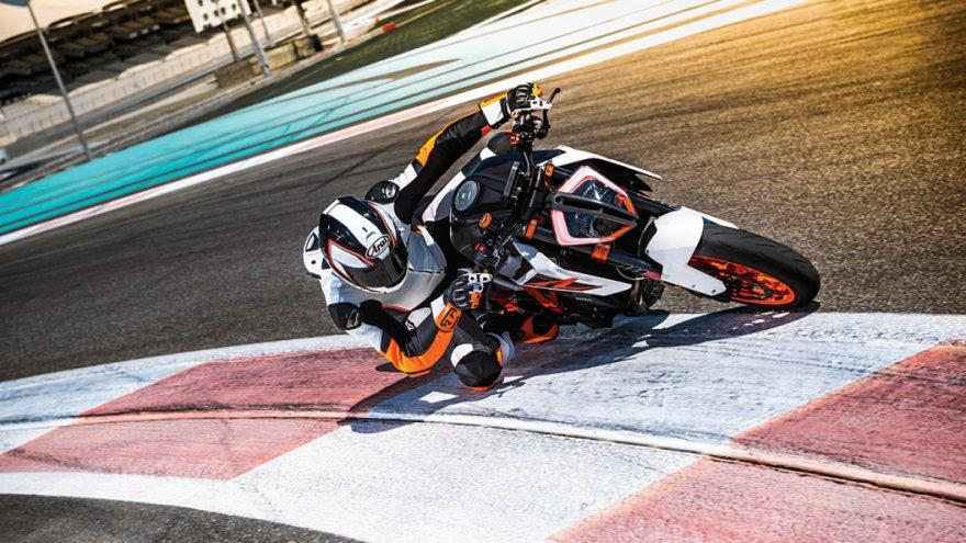 2018 KTM Duke 1290 Super R