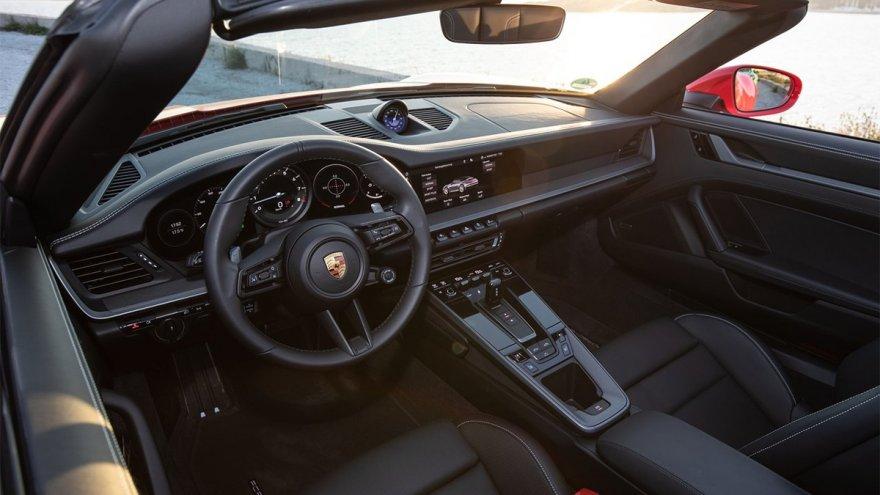 2020 Porsche 911 Carerra 4 S Cabriolet