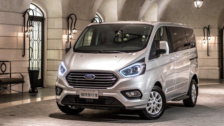 2018 Ford Tourneo Custom(NEW) 短軸豪華型