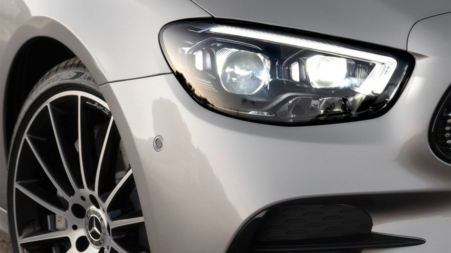 2021 M-Benz E-Class Sedan E300運動版