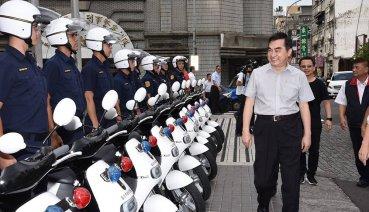 臺北市警察局巡邏車換新、逾400輛Gogoro電動機車進駐環保出巡!