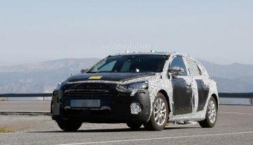 全新Ford Focus偽裝車內裝照 與全新Fiesta內裝採同一配置