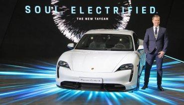 2020台北車展:Porsche純電跑車Taycan全台首演,攜手限量復刻賽車935