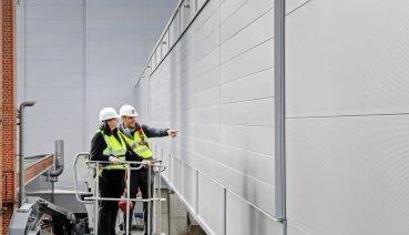 Porsche工廠新型牆面採用特殊技術 具備移除有害汙染物的功能