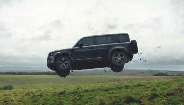 來看看新Defender重落地、翻滾後的強悍表現 Land Rover公佈新007相關預告影片