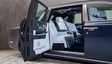Rolls-Royce將花團錦簇的繽紛入Phantom車內(內有影片)
