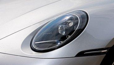 性能進化  Porsche 911 Carrera 4S !!