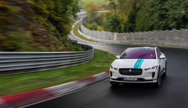 Jaguar I-PACE推出紐柏林賽道「電競」計程車RACE eTAXI服務