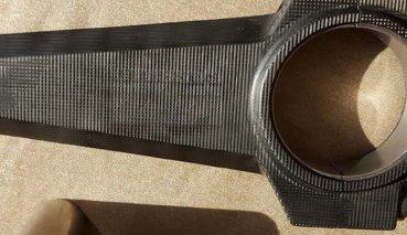 「輕一半」又「勇兩倍」!AWE Composites「碳纖維連桿」宣布明年開賣