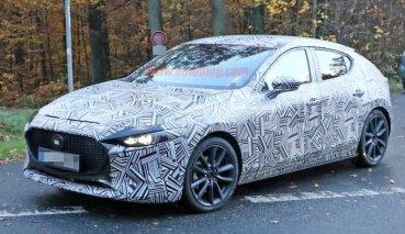 全新Mazda 3偽裝車曝光!月底即將亮相
