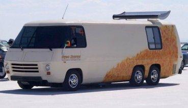 「世界最速房車」!?1976 GMC Motorhome上架四小時即截標!