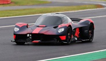 Aston Martin Valkyrie油電超跑首度於英國銀石賽道動態展示!