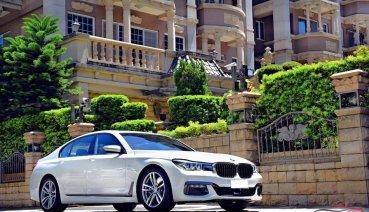 誰說7 Series只能坐後座,全新「奢華」運動旗艦BMW 740i M Sport「短軸」自駕更快意!