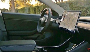 TESLA將為車子追加「打旽」功能,讓車主舒舒服服地小睡一番