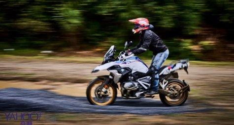 入沙坑水塘如無人之境!BMW Motorrad R 1250 GS水牛坑越野試駕體驗