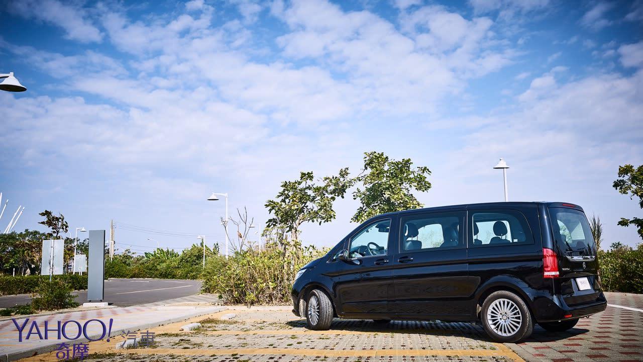 因為更在乎後座的感受!Mercedes-Benz V220D台南台北深度試駕 - 17