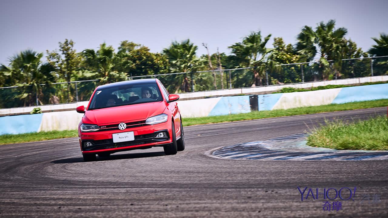 一吋短一吋險的詠春八斬刀!Volkswagen Polo GTI大鵬灣賽道飆速實測 - 14