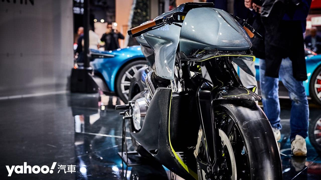 【米蘭車展】理性與感性的雙重衝擊!Aston Martin AMB 001磅礡登場! - 4