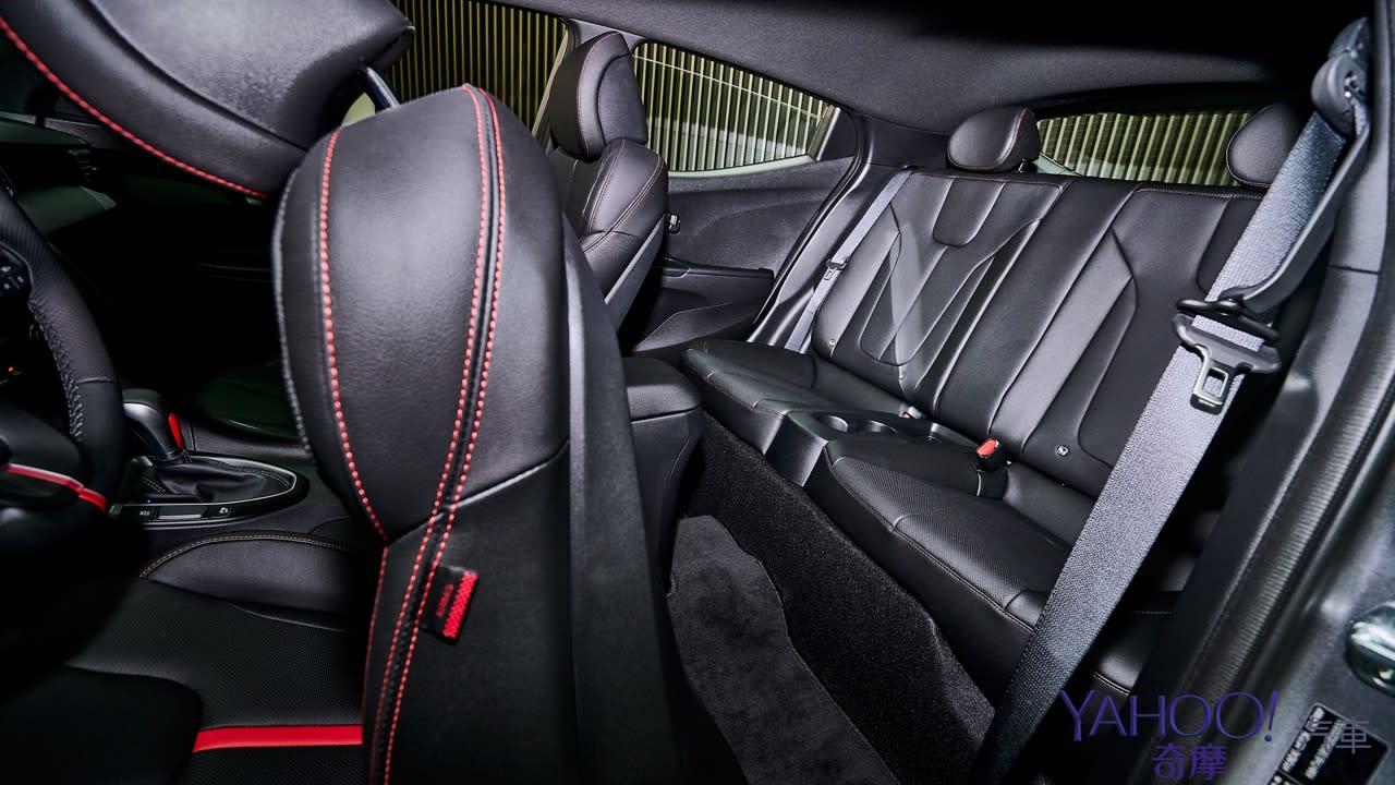 絕無僅有的不對稱鋼砲!大改款Hyundai Veloster正式上市115.9萬起! - 9