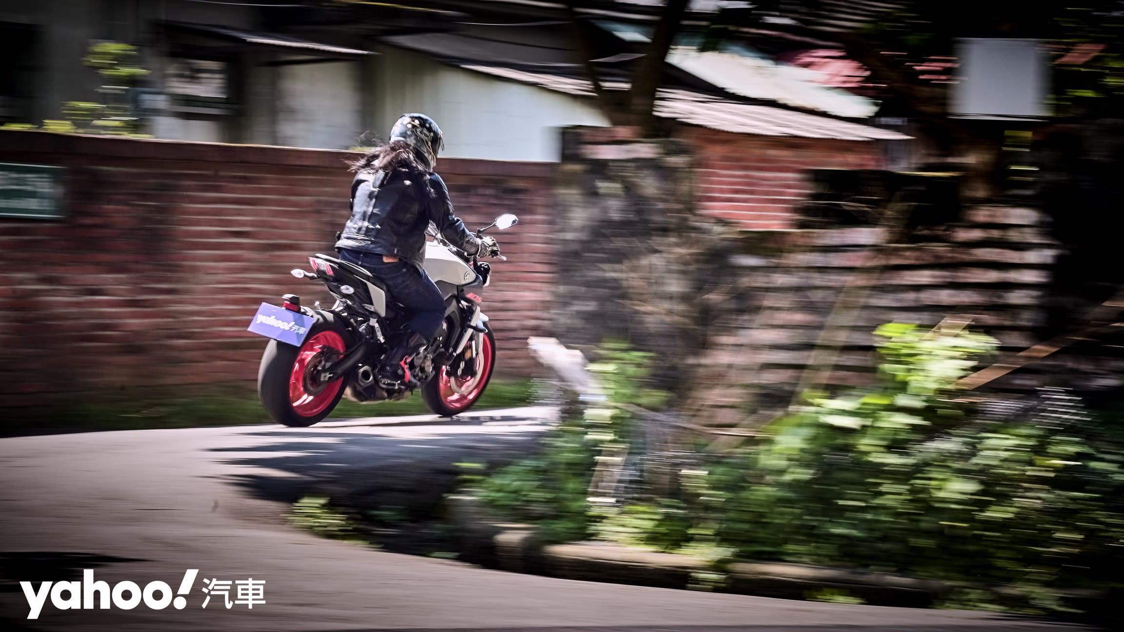 為「扭力」而生的大師風範!Yamaha MT-09老城郊試駕! - 13