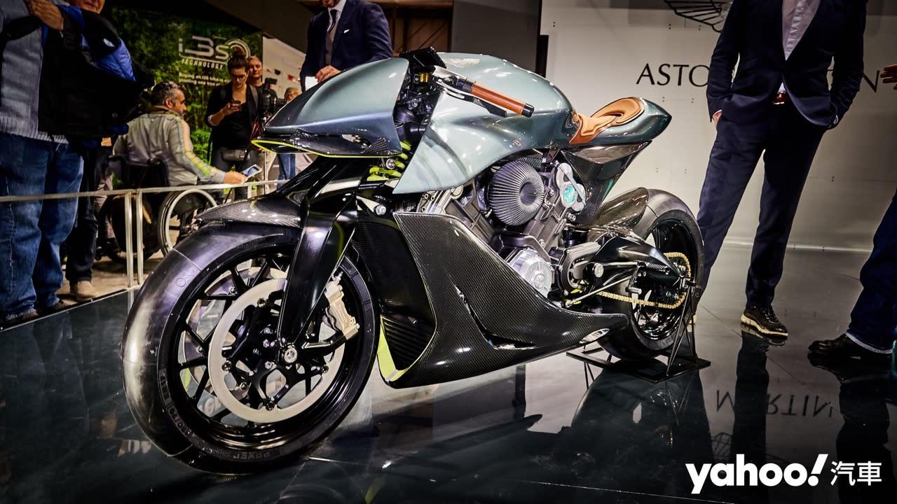 【米蘭車展】理性與感性的雙重衝擊!Aston Martin AMB 001磅礡登場! - 3
