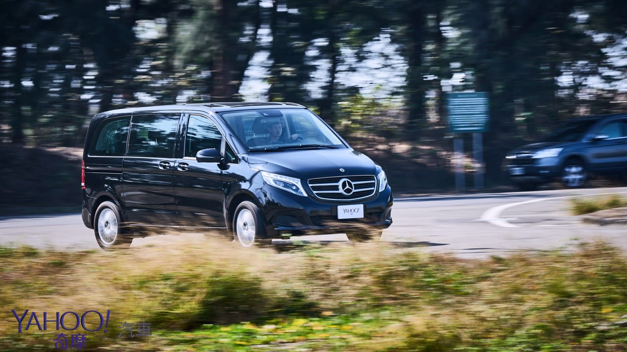 因為更在乎後座的感受!Mercedes-Benz V220D台南台北深度試駕 - 20