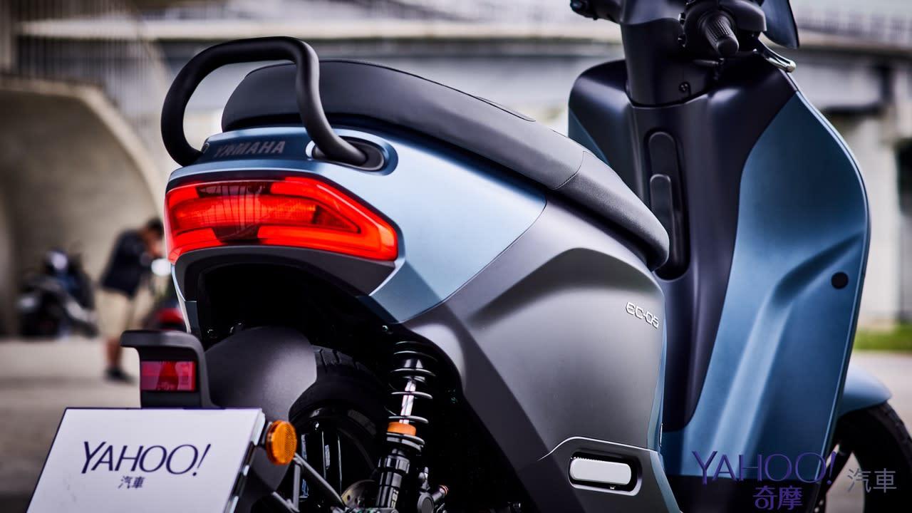 真的、我們不一樣!Yamaha換電式電動機車EC-05新北城郊試駕解析! - 18