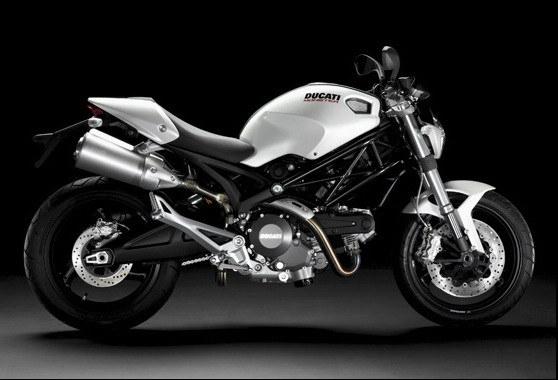 Ducati_Monster_696