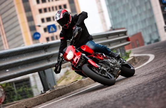Ducati_Hypermotard_1100