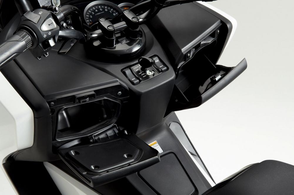 2018 Honda NSS 300 ABS
