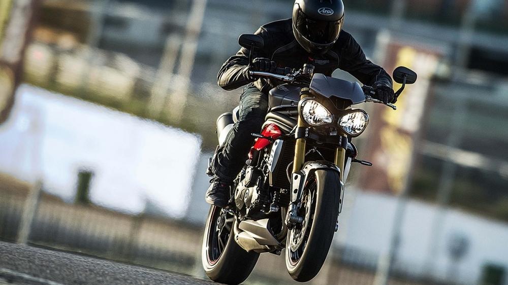 Triumph_Triple_Speed R