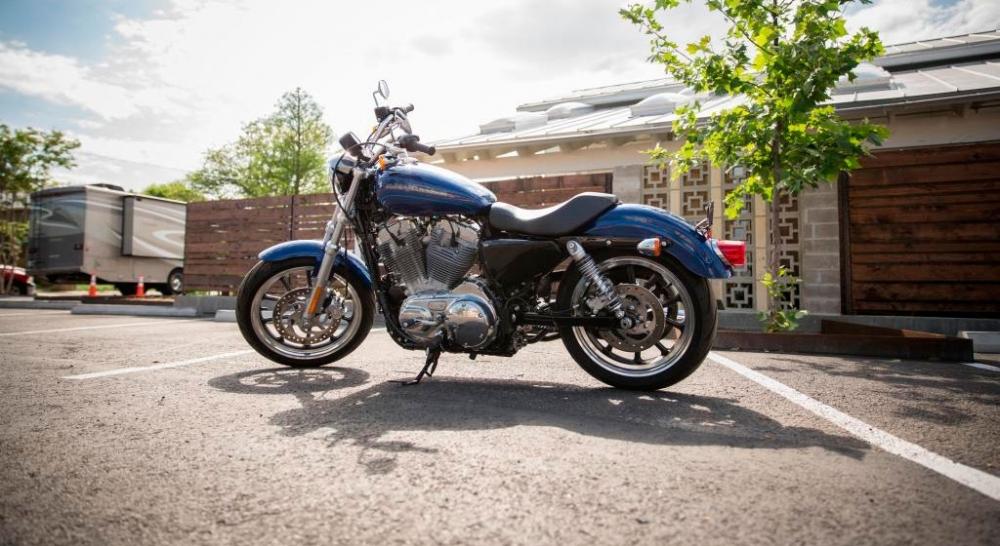 Harley-Davidson_Sportster_883 Super Low