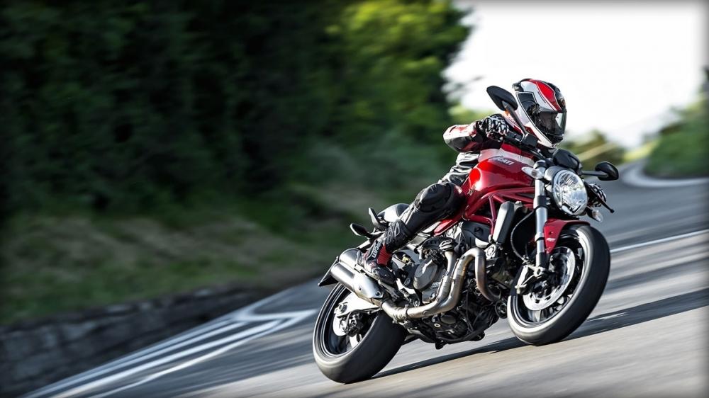 Ducati_Monster_821