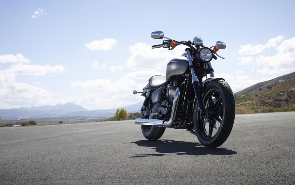 Triumph_Speedmaster_865