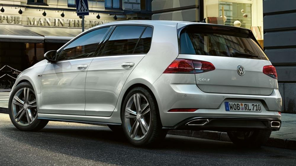 Volkswagen_Golf_230 TSI R-Line