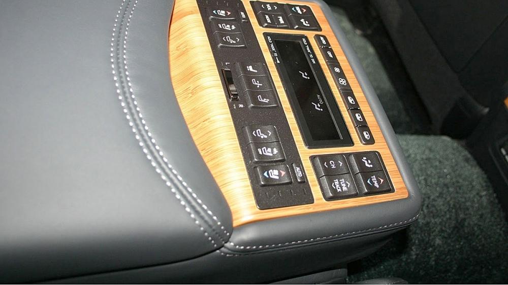Lexus_LS_600hL OTTOMAN
