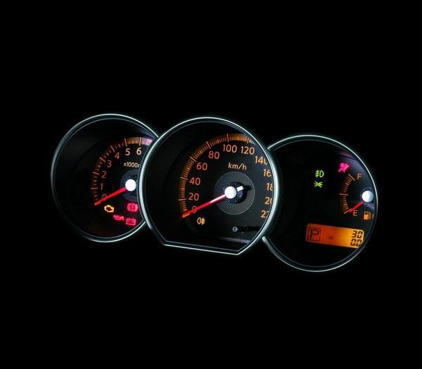 Nissan_Livina_1.8 B