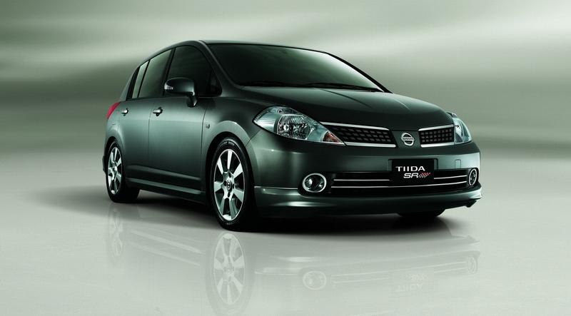 Nissan_Tiida_1.8 5D P
