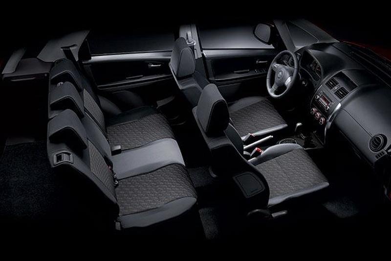Suzuki_SX-4 Hatchback_1.6