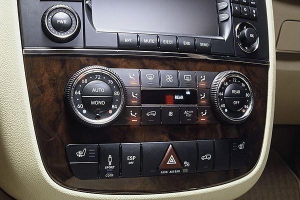 M-Benz_R-Class_R350L