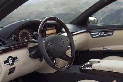 M-Benz_S-Class_S300L