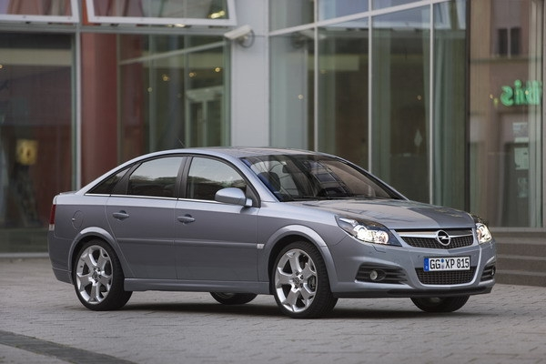 Opel_Vectra_2.8T五門