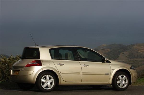 Renault_Megane Hatch_1.6