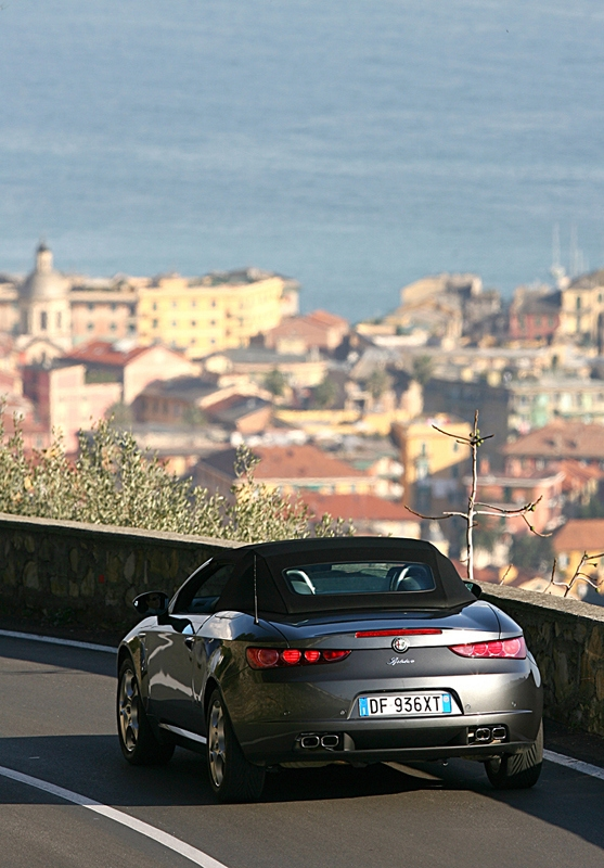 Alfa Romeo_Spyder_3.2 JTS Q4