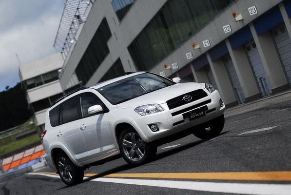 Toyota_RAV4_2.4 E 2WD